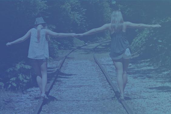 Los amigos son los hermanos que la vida nos da